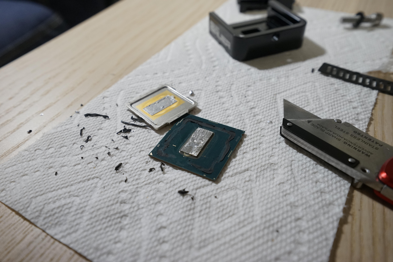 I de-lid Core i7 9700k and I have no idea if it was worth it - A Foo
